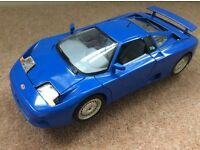 Bugatti EB110 1991 1/18 in blue Burago model
