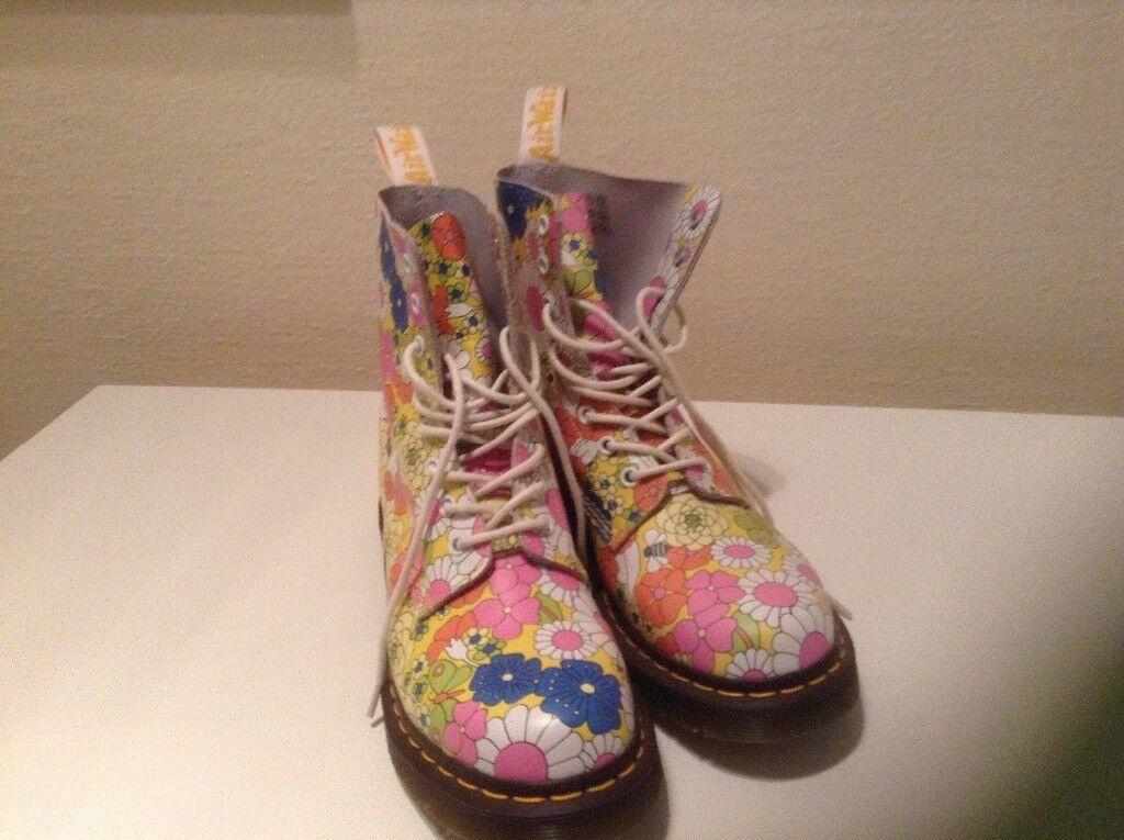 Woman's floral Doc Marten boots size 7