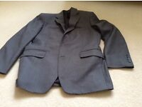 DeHavilland Size 32in Gents Grey Suit Jacket - only worn couple of times, move abroad forces sale.