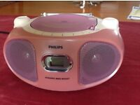NOW ONLY £9! PHILIPS PORTABLE CD PLAYER (PINK) WITH FM/MW TUNER & LINE-IN FOR EXTERNAL AUDIO SOURCE.