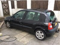2003 Renault Clio 1.5 dci. Privilege 80. Only £30 year tax. Spares or repairs. Starts and runs, vgc