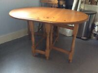 Beautiful dining table £90 Ono