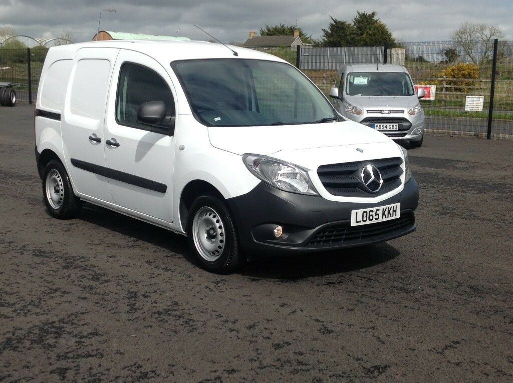 2015 MERCEDES CITAN CDI LONG. ONLY 24K MILES. PLY LINED. BULKHEAD. 65 + MPG. IMMACULATE VAN.