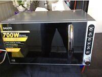Sanyo Mirrored Microwave 700w