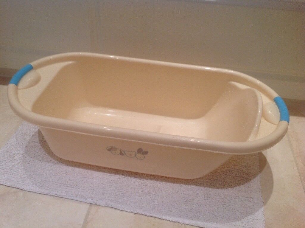 Baby bath and Top & Tail bowl | in Hedge End, Hampshire | Gumtree