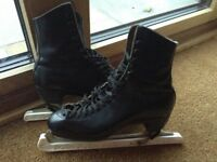 Traditional Mens Black Leather Ice Skates VGC size 7.5