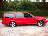 VOLVO V70 2.5 AWD AUTOMATIC ESTATE RED 12 MONTHS MOT LADY OWNER 12 YEARS
