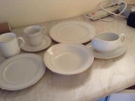 Fine Porcelain Dinner Service (8 place settings)