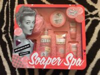 Soap & glory bath body gift set 7 items