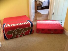 Arsenal Sponge put up bed come seat