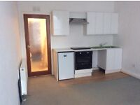 Broughty Ferry centre one bed flat