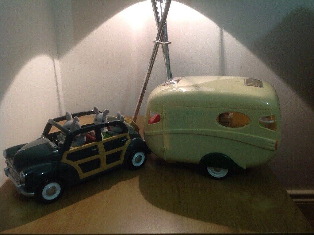 Sylvanian Families Caravan and Family Car