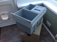 Integral kitchen bin
