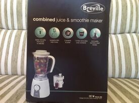 Breville combined juicer and smoothie maker Model JE6. Boxed and unused, unwanted gift.