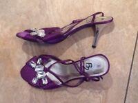 Ladies shoes size 8 . 1 new pair