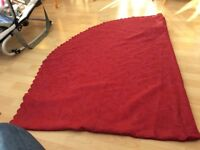 Large oval tablecloth, wine colour