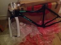 Salsa Mukluk Fat bike frame 2016 & Salsa Bearpaw Carbon Forks ( new unused ) RRP £900.00