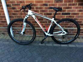 Specialized hard rock sports in excellent condition large frame 27 gears.