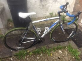 FUJI ROAD BIKE-£1000 BRAND NEW