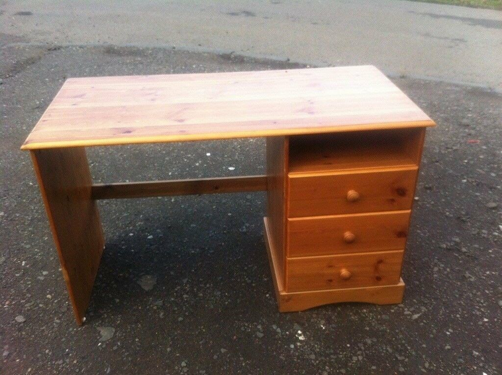 Solid pine desk/ dressing table in lovely condition