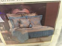 BLUE AND GOLD KING SIZE BED SET