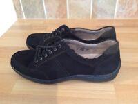 Ladies flat lace up suede shoes size 6 1/2