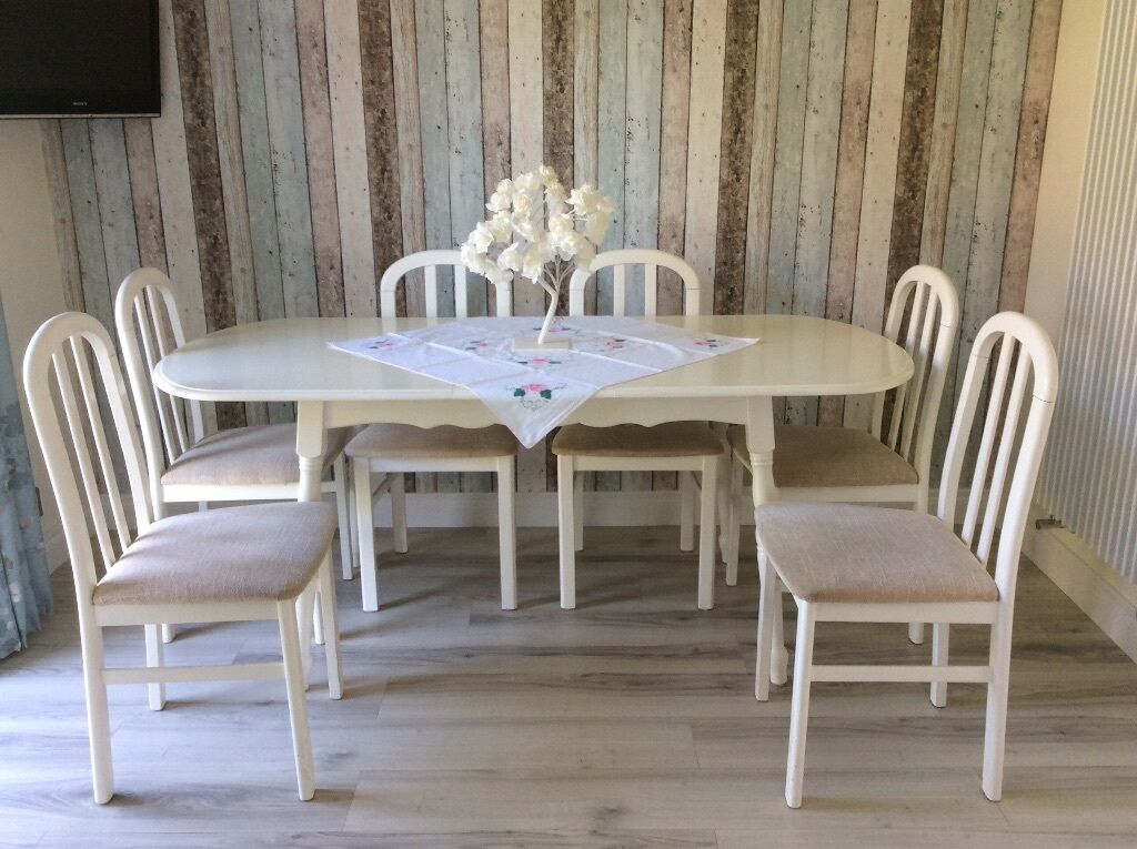 Large extending kitchen dining table 6 cream chairs for Good dining table sets