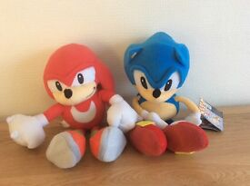Sonic the Hedgehog and Knuckles soft toys