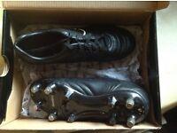 Boys Sondico football boots size 3, hardly worn