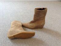 Ladies Hush Puppy boots 7/40 brand new beige suede