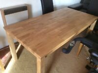 Oak Dining Table very good condition(almost new)