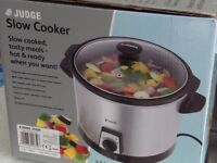 Slow cooker, never used!