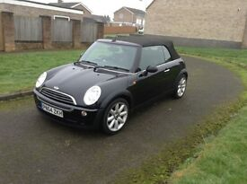 54 mini one 1,6 black convertible long mot low insurance services history £2250
