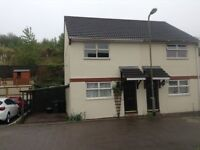 To Let: Modern 3 bed semi with driveway parking in quiet cul de sac in Kingsteignton