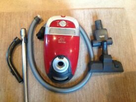MIELE CAT AND DOG TT5000 300-2200 watts Variable