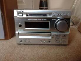 Sony CD/MD HiFi with Speakers