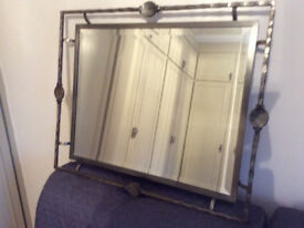 STURDY QUALITY METAL BEVELED WALL MIRROR 820 X 680 HANG LANDSCAPE OR PORTRAIT PERFECT CONDITION