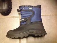 Children's snow boots, size 11