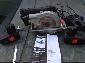Wickes Cordless Mitre Saw 18V + Batteries + Charger plus hard case