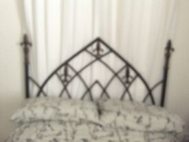 GOTHIC STYLE WROUGHT IRON IN MATT BLACK WITH GOLD HEADBOARD
