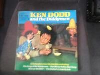 ORIGINAL KEN DODD & THE DIDDYMEN ALBUM FROM 1968 ALONG WITH 6 INCH HIGH MODEL OF MICK THE MARMALISER