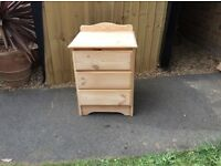SOLID PINE 3 DRAWER BEDSIDE CABINET
