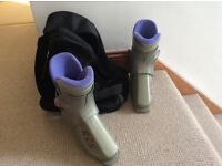 Ladies/Girl' ski boots with carry bag