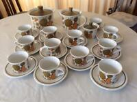 Midwinter retro vintage tea set cups and saucers teapot