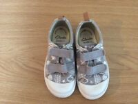 Boys shoes Clarks 7.5F
