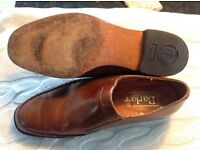 Mens shoe Tan leather Barker size 8 1/2 leather sole rubber heel lightly used slip on G fitting