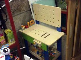 Hape master workbench wooden, great condition