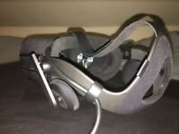 Oculus Rift VR Headset, 2 sensors, 2 touch controllers, in original box