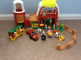 Little people farmyard set