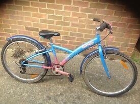 Girls Decathlon Bicycle 6 speed (age 8-11)